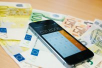 Bankowość elektroniczna - dostęp do konta na smartfonie